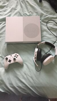 Xbox One S Bundle Pack Long Branch, 07740