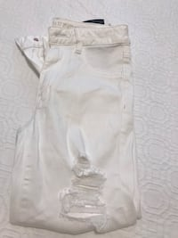 New women's AE distressed white pants