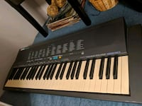 Yamaha electric keyboard with stand Vaughan, L4J 7L9