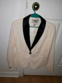 white and black notched lapel suit jacket Gatineau, J8P 1G6