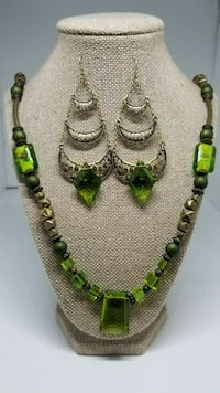 Green and Gold Paradox Necklace Set