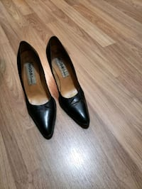 Black leather heel 6.5