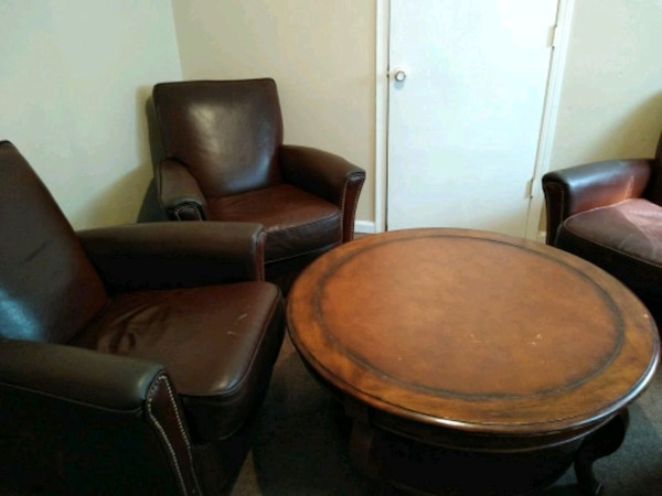 Pleasant 4 Bradington Young Leather Chairs And Round Table Pdpeps Interior Chair Design Pdpepsorg