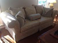 gray fabric 2-seat sofa Ashburn, 20147
