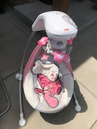 baby's white and pink cradle n swing Colorado Springs, 80923