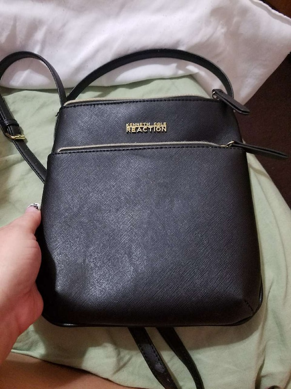 423374ba4 Used women's black Kenneth Cole Reaction sling bag for sale in Wyoming -  letgo