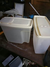 two white plastic containers Dexter, 13634