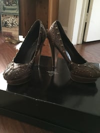 Brown leather heels Mississauga, L5G 2P2
