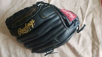 Rawlings Leather Baseball glove and Nike cleats Barrie, L4M 6E8