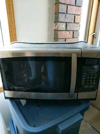 black and gray microwave oven Spruce Grove, T7X 1S7