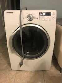 White samsung front-load clothes dryer Miami, 33142
