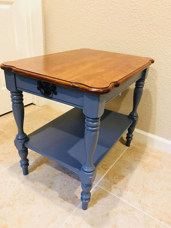 Round Table 95841.Ethan Allen Table