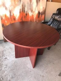 round brown wooden coffee table Markham, L3P 0X2