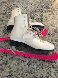 Women's ladies figure skates size 8 Edmonton, T5M