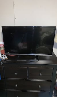 "Panasonic 32"" smart tv 1080p"