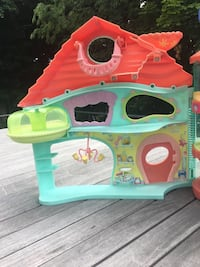 Littlest Pet Shop house  Quincy, 02169