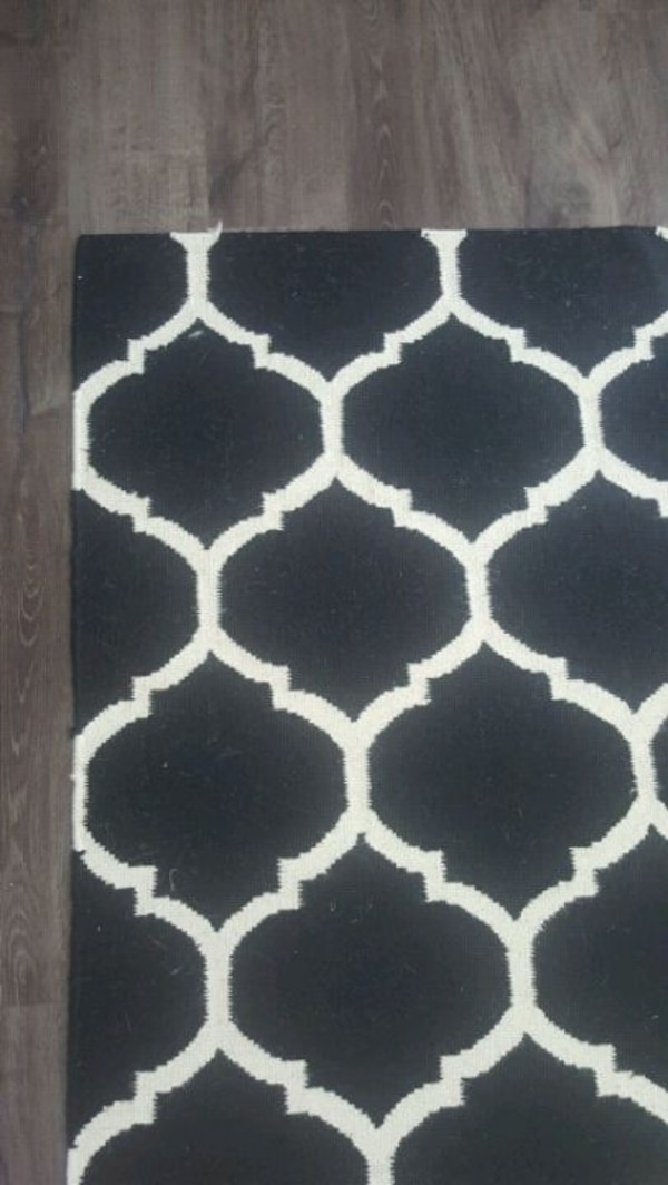 "Wool area rug 5"" x 7"" 804b821c-025f-428c-a088-7a4d630a1543"