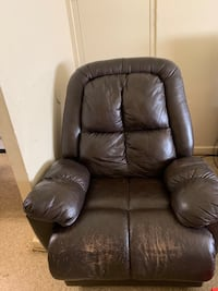 Black leather tufted sofa chair Newport News, 23605