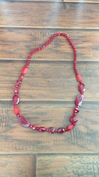 Red necklace Norfolk, 23505