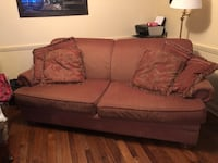 Couch Kitchener, N2P 1E9