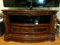 Heavy Wooden TV Stand McLean, 22101