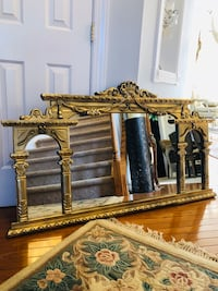 """51""""X31 Large Roman StyLarge Roman Style Antique Gold Distressed Wooden Mirror"""" SERIOUS BUYERS ONLY """" Gainesville, 20155"""