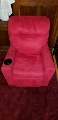 Kids Red Recliner Chair With Cup Holder Billerica, 01821