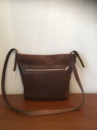 Robert Brodeur Leather Crossbody Bag (Like New!) Mississauga, L4Z 4A1