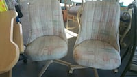 Set of 2 rolling chairs