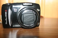 Canon Powershot Digital Camera with Lens Hood Châteauguay