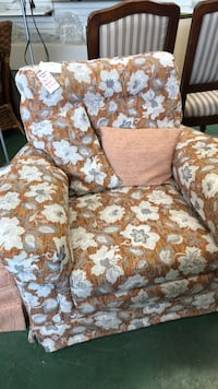 Chair and matching ottoman Surrey, V4A 2J5