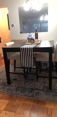 Kitchen table & two chairs - moving this weekend, needs to go! Arlington, 22201