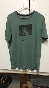 Large Nike  T-Shirt -- Brand New Santa Rosa, 95401