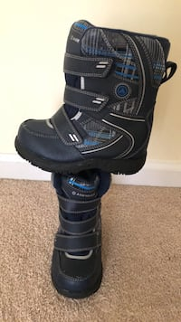 Boys size 10 snow boots New Windsor, 12553