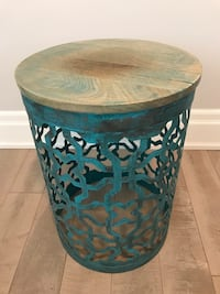 Rustic End Table Toronto, M9N 1X4