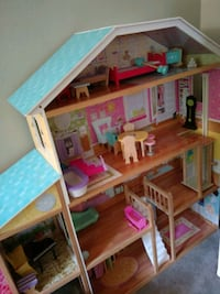 Doll house Crownsville