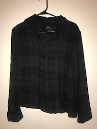 black and gray plaid button-up shirt Tempe, 85281