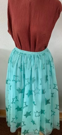 Green skirt with stars
