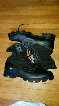 pair of black leather combat boots Chantilly, 20151