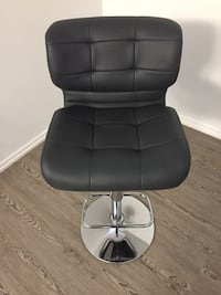 Leather Grey Seat from EQ3 - $175 or BO Toronto, M5G 1Z4