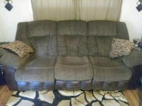 Like new couch with dual inside pull recliners Panama City, 32405
