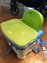 High chair Newmarket, L3X 2C2