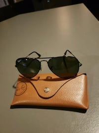 Polarized aviator Ray bans Brampton, L6R 2K7