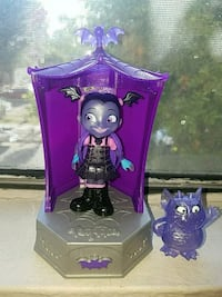 Vampirina Glowtastic Friends Set Van Nuys, 91405