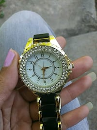 Blk&gold watch St. Louis, 63137