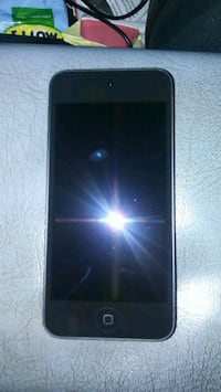 Ipod touch  Highland, 92346