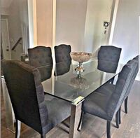 Dining table with 6 chairs in great condition  Newmarket, L3Y 6C8