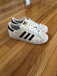 Adidas superstar mens 9 (new with box) Germantown, 20874