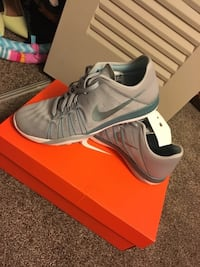 BRAND NEW nike runners size 8 bought for 105$ Edmonton, T5X 4H5