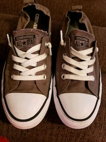 Converse all star pull ons. Ladies size 8. Good condition